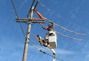 GP&L pole workman